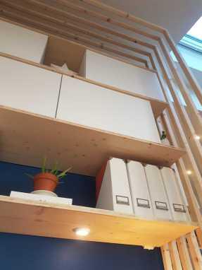 détails etagères bureau tasseaux bois