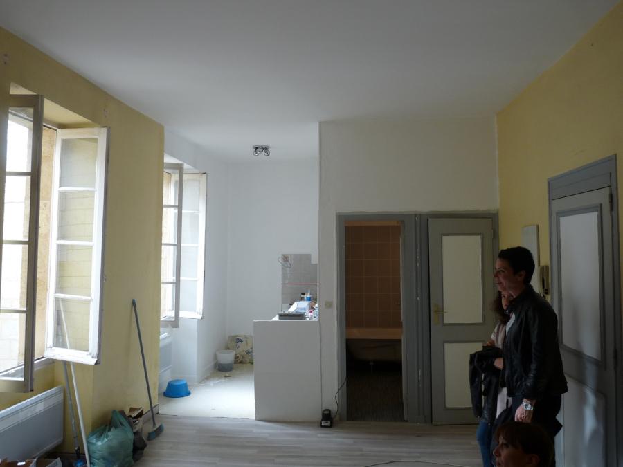 studio avant rénovation compléte
