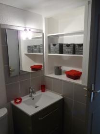 creation rangement salle de bain studio