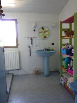 salle de bains des enfants avant