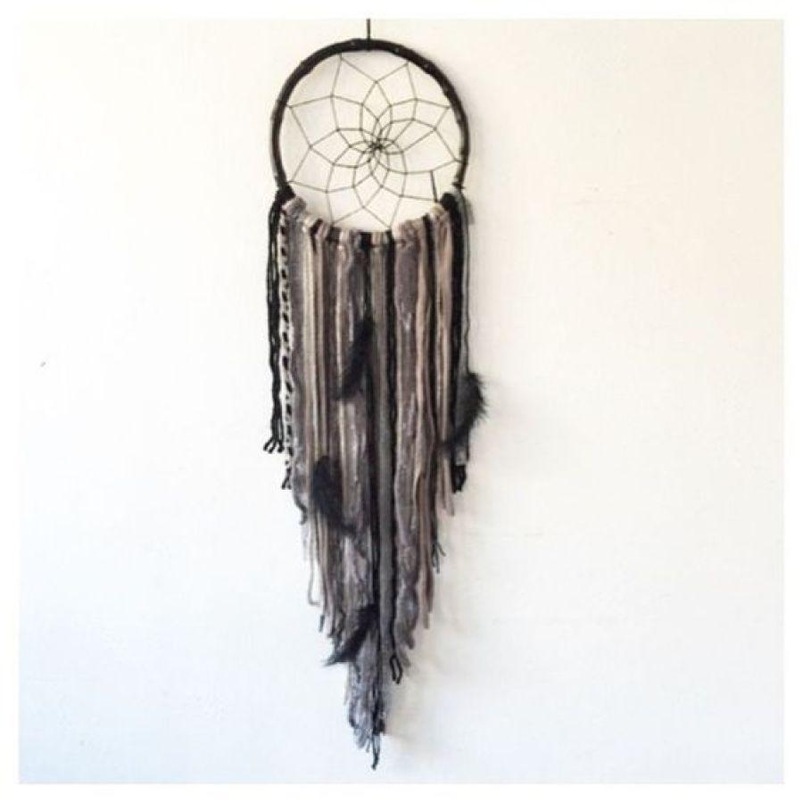 Attrape rêves noir et gris - les doux rêves